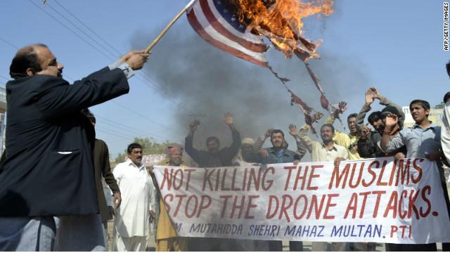 Paquistaneses a protestar contra os ataques de drones