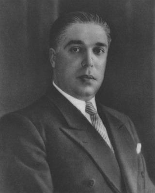 Duarte Pacheco era uma das figuras mais importantes do Estado Novo, tendo igualmente sido central nas políticas urbanísticas durante períodos de urbanização acrescida