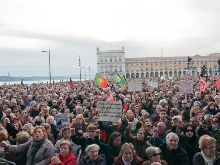 Manifestantes no Terreiro do Paço, 2 de Março de 2013