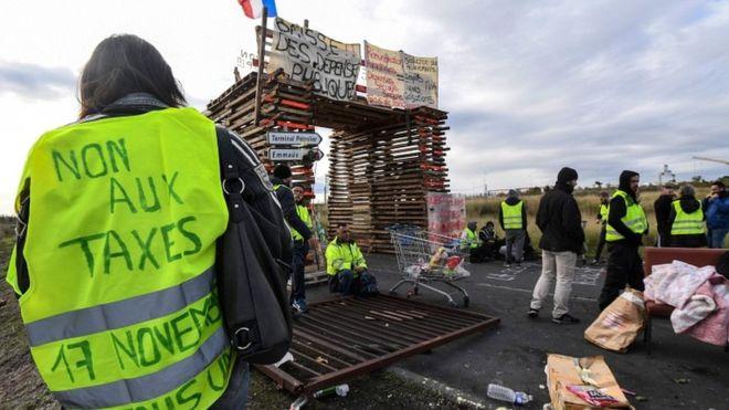 Non Aux Taxes - Gilets Jaunes.jpg