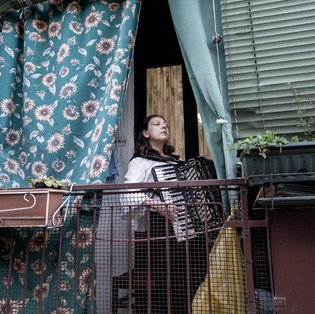 Lady Plays Accordeon, Milan, Italy